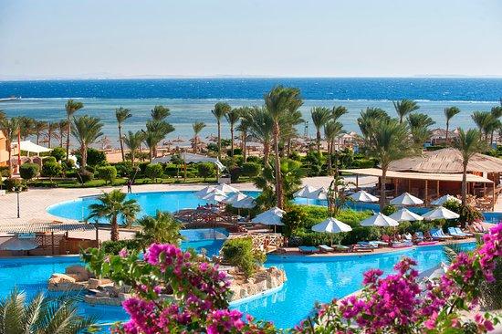 Amwaj Oyoun Hotel & Resort