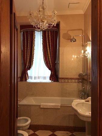 Alchymist Nosticova Palace: Bathroom
