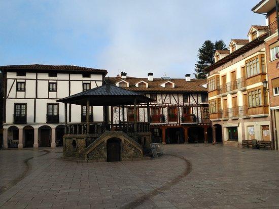 Apartamentos La Buhardilla: Plaza