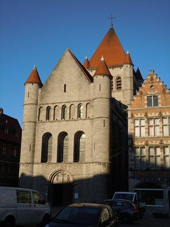 Tournai, Belgium: L'église