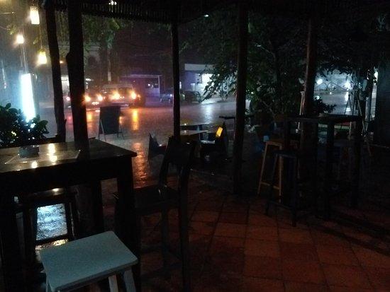 Chinaski's Bar
