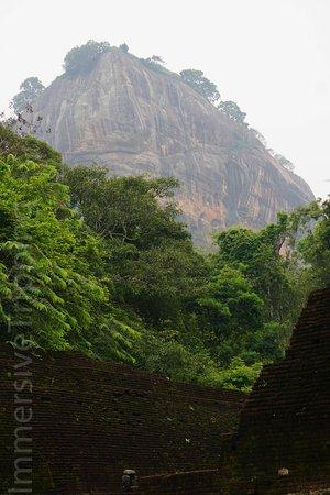 Antigua ciudad de Sigiriya: Air Pollution at Lion Rock