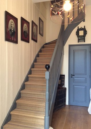 escalier petit salon photo de la maison du palmier la rochelle tripadvisor. Black Bedroom Furniture Sets. Home Design Ideas