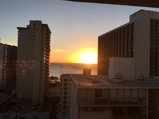Hyatt Place Waikiki Beach: 12th floor ocean view room