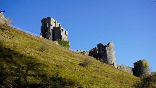 Corfe Castle, UK: view on route to top