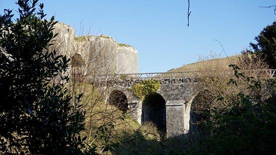 Corfe Castle, UK: view of bridge on route to castle