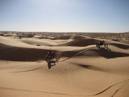Tataouine, Tunisia: Tour moto enduro Tunisia - Deserto Sahara