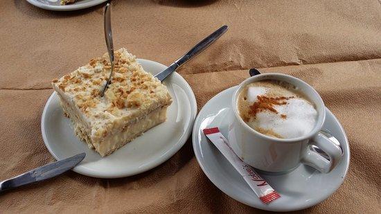 """Lasithi Mesa, Greece: кусочек торта """"Наполеон"""""""