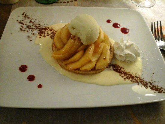 Wintzenheim, Francia: tarte au pomme creme anglaise glace pomme
