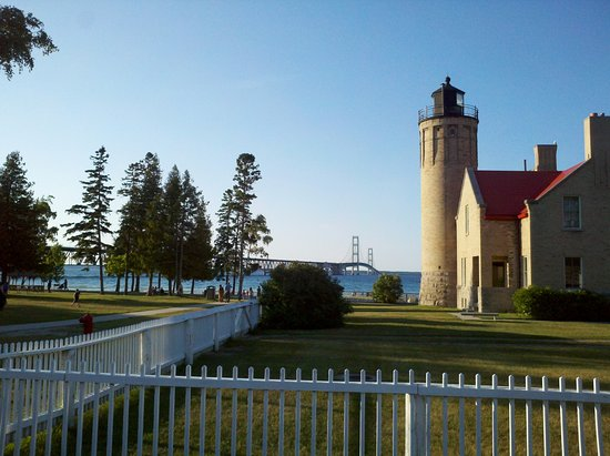 Mackinaw City, MI: Bridge view from Lighthouse Park next to bridge