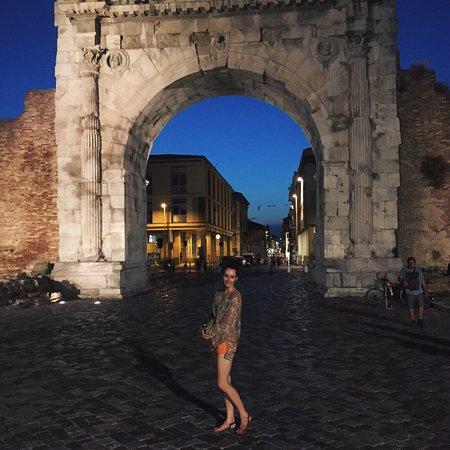 Arco d'Augusto: photo0.jpg