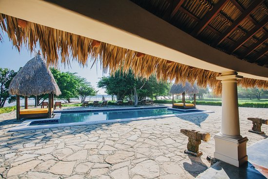 Tola, Nicaragua: Enjoy our poolside with a stunning view of the beach