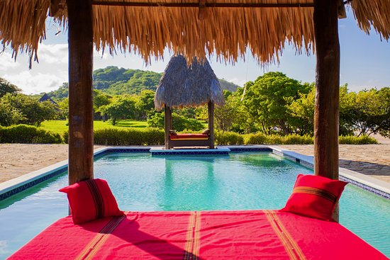 Tola, Nicaragua: Rest in the small ranchos near the pool