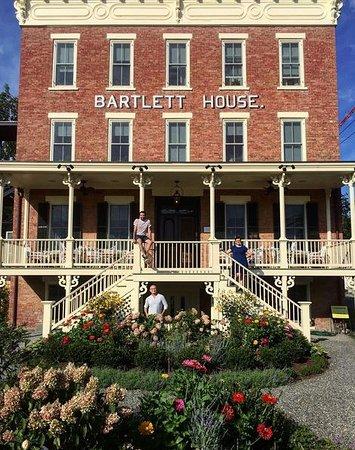 Ghent, Νέα Υόρκη: Bartlett House leaders