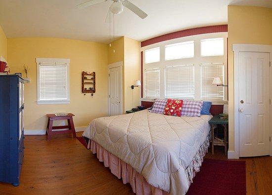 Madison, GA: Orchard Loft Room