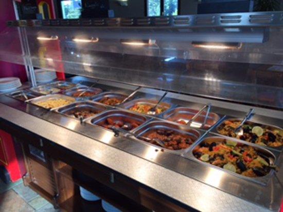 Albaret-Sainte-Marie, France : des plats chauds qui changent tous les jours...