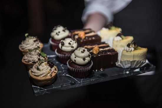 Englewood Cliffs, NJ: private dining desserts
