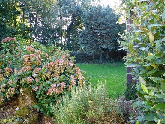 Kergrist Moelou, Francia: Garden