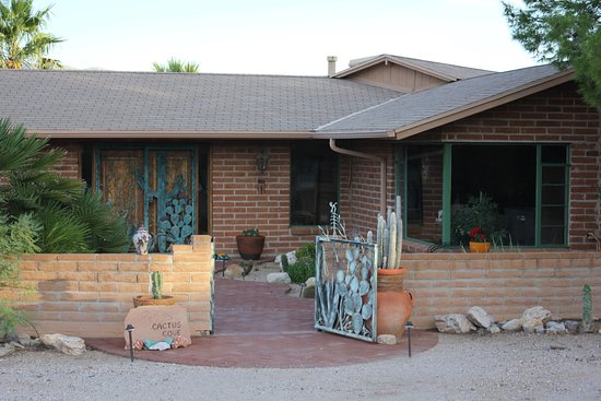Cactus Cove Bed and Breakfast Inn Photo