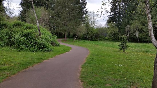 Camas Heritage Park: Great walking trails
