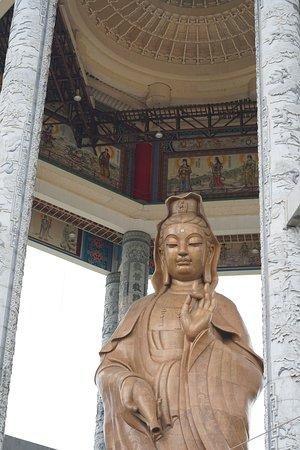 Kek-Lok-Si-Tempel: 30.2 m Guan Yin Statue