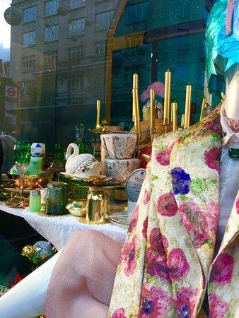 bfbc7abb1f479 Oxford St window dressing - Picture of Selfridges