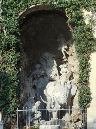 "Battaglia Terme, Italië: la ""fontana dell'elefante"""