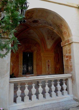 Battaglia Terme, Italië: Particola del piano nobile con gli affreschi di Gian Battista Zelotti