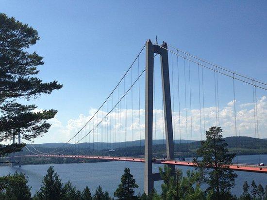 Ornskoldsvik, Suecia: L'imponente ponte HögaKustenBron, la porta della Höga Kusten