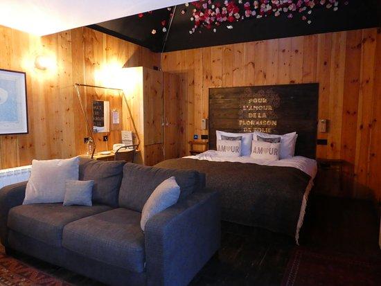 Ticehurst, UK: inside the lodge