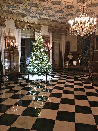 Wilmington, DE: Nemours Christmas!
