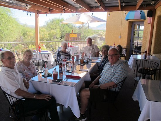Tubac, AZ: Nice Outdoor Dining Area