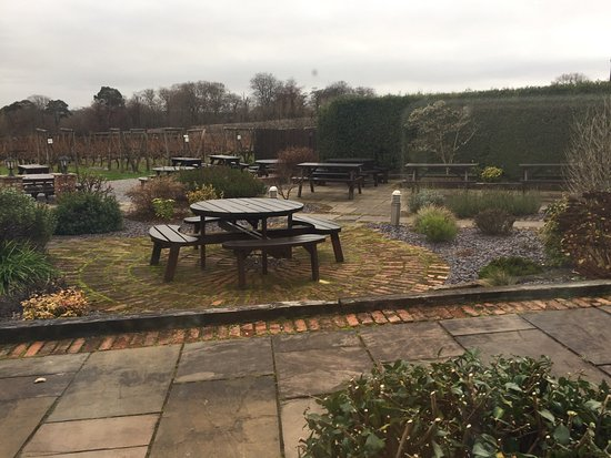 Hensol, UK: Sunday lunch at llanerch vineyard