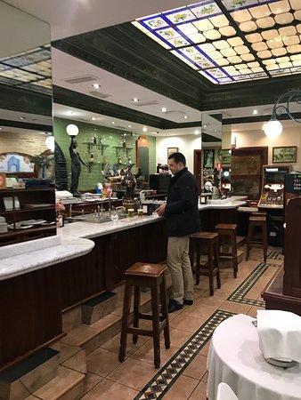 Restaurante cerveceria cruz blanca lucena en lucena con cocina tapas - Cocinas en lucena ...