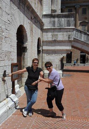Gubbio, Italia: ..con l'amica!
