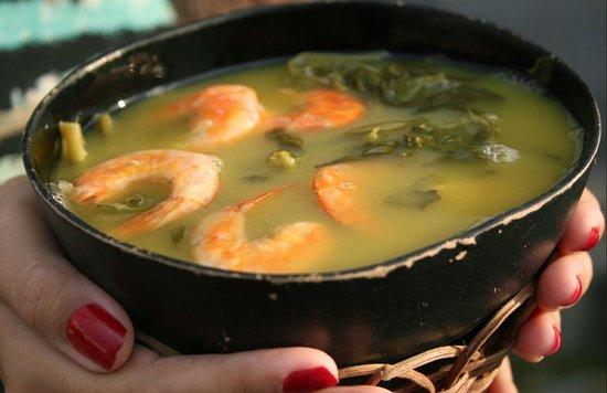 Tacaca da Dona Maria : O tacacá. Feito com tucupi, camarão, jambu, goma de tapioca.