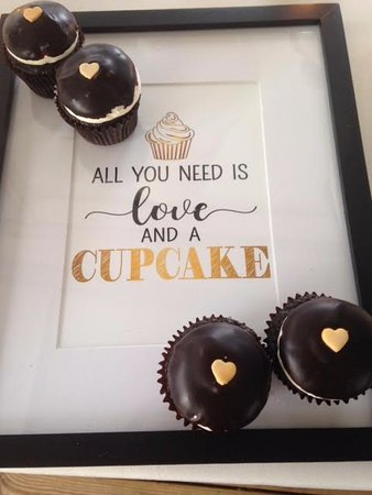 cupcakes and love!