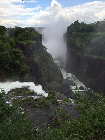 Victoria Falls, Zâmbia: Walking Along the Path and finding this gorgeous shot!!