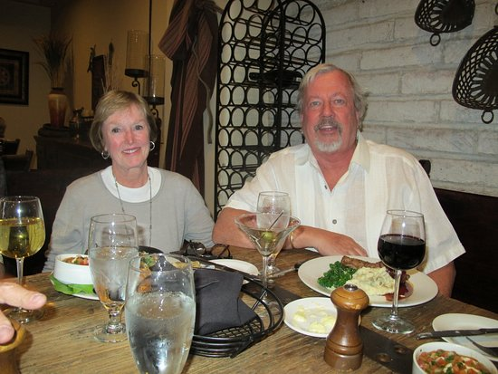Tubac, AZ: We Always Look Forward to Dinner at Stables