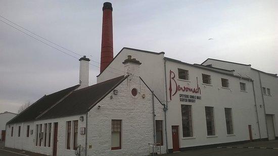 Forres, UK: Benromach distillery.