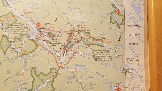 Algonquin Provincial Park, Canada: 이 곳으로 접근가능한 길이 표시된 지도