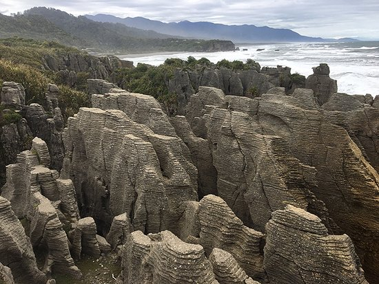 Rangiora, Selandia Baru: Pancake rocks at Punakaiki on the West Coast.
