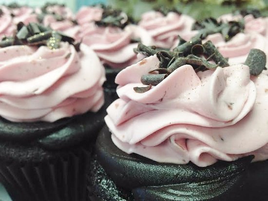 Cockeysville, MD: chocolate raspberry chambord cupcakes