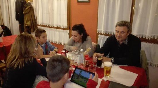 Valdagno, Włochy: Serata tra amici