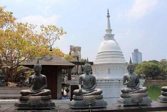 Seema Malaka Temple: Temple Conner