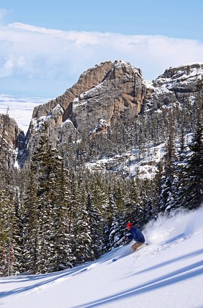 Red Lodge, MT: Powder turns backed by stunning views