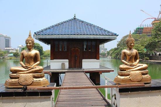 Seema Malaka Temple: Temple Exterior