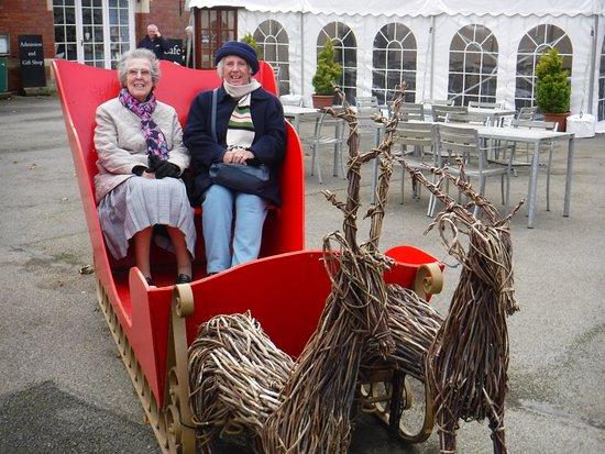 Burton Agnes, UK: Santas Sleigh