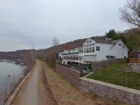 Lumberville, Pensilvania: View of Black Bass Hotel