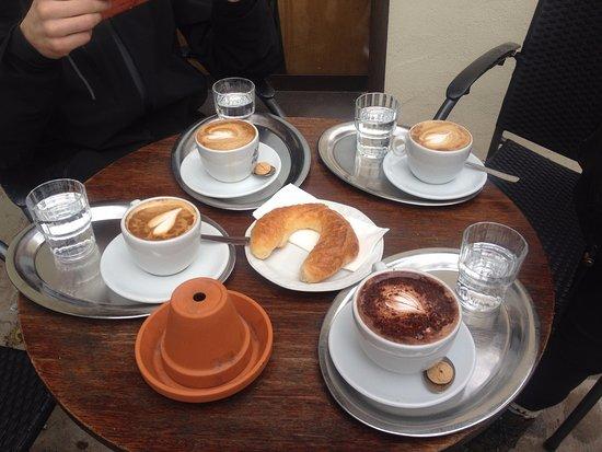 Cafe-Bar Wanderer & Bieramt: great coffee and choco